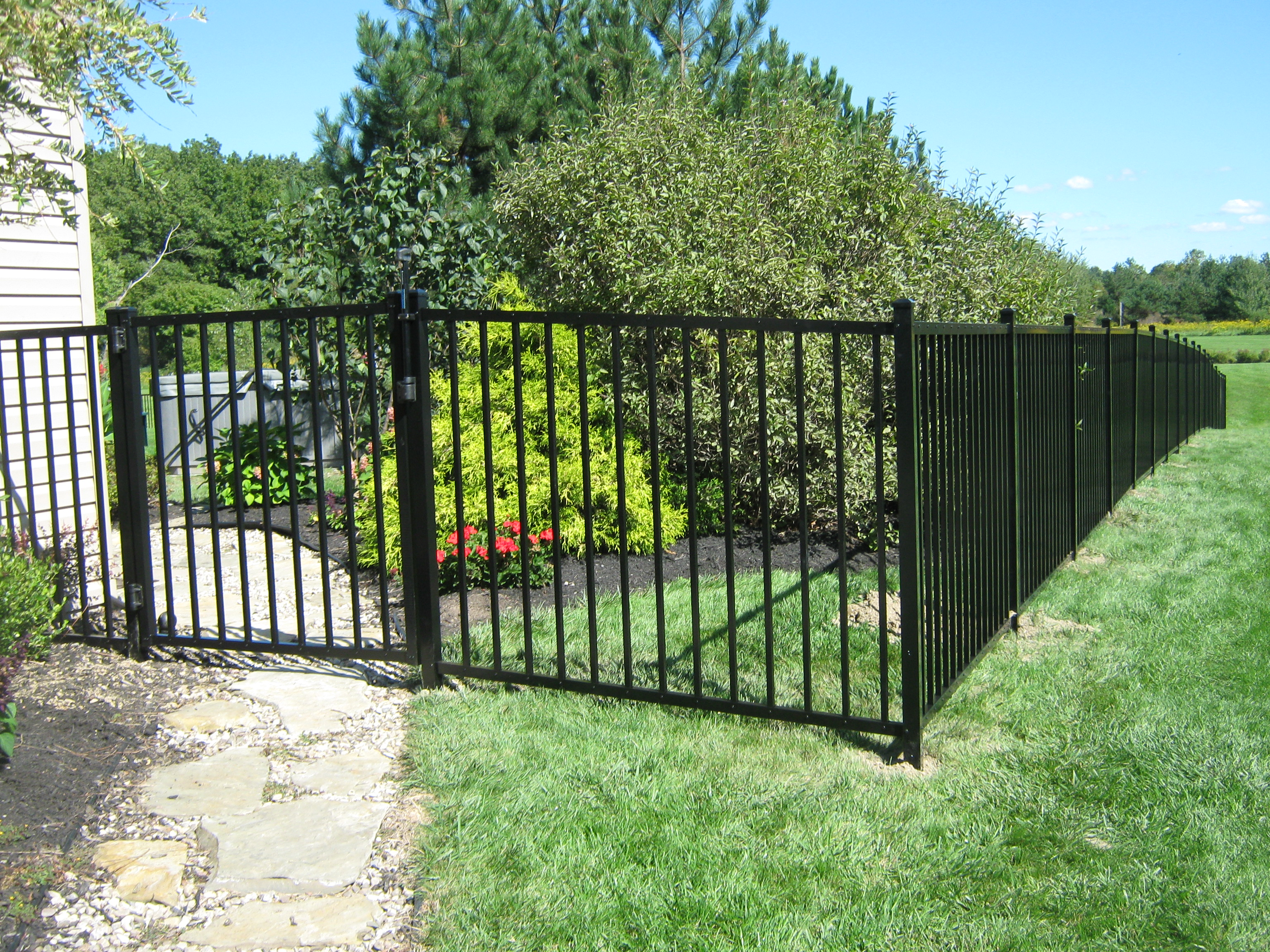 Aluminum sadler fence and staining llc